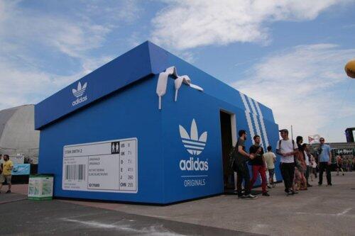 Adidas - Huge shoebox